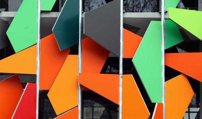 The Pixel Building i Melbourne är klädd med Alpolics lättbearbetade fasadskivor. Foto: Shutterstock